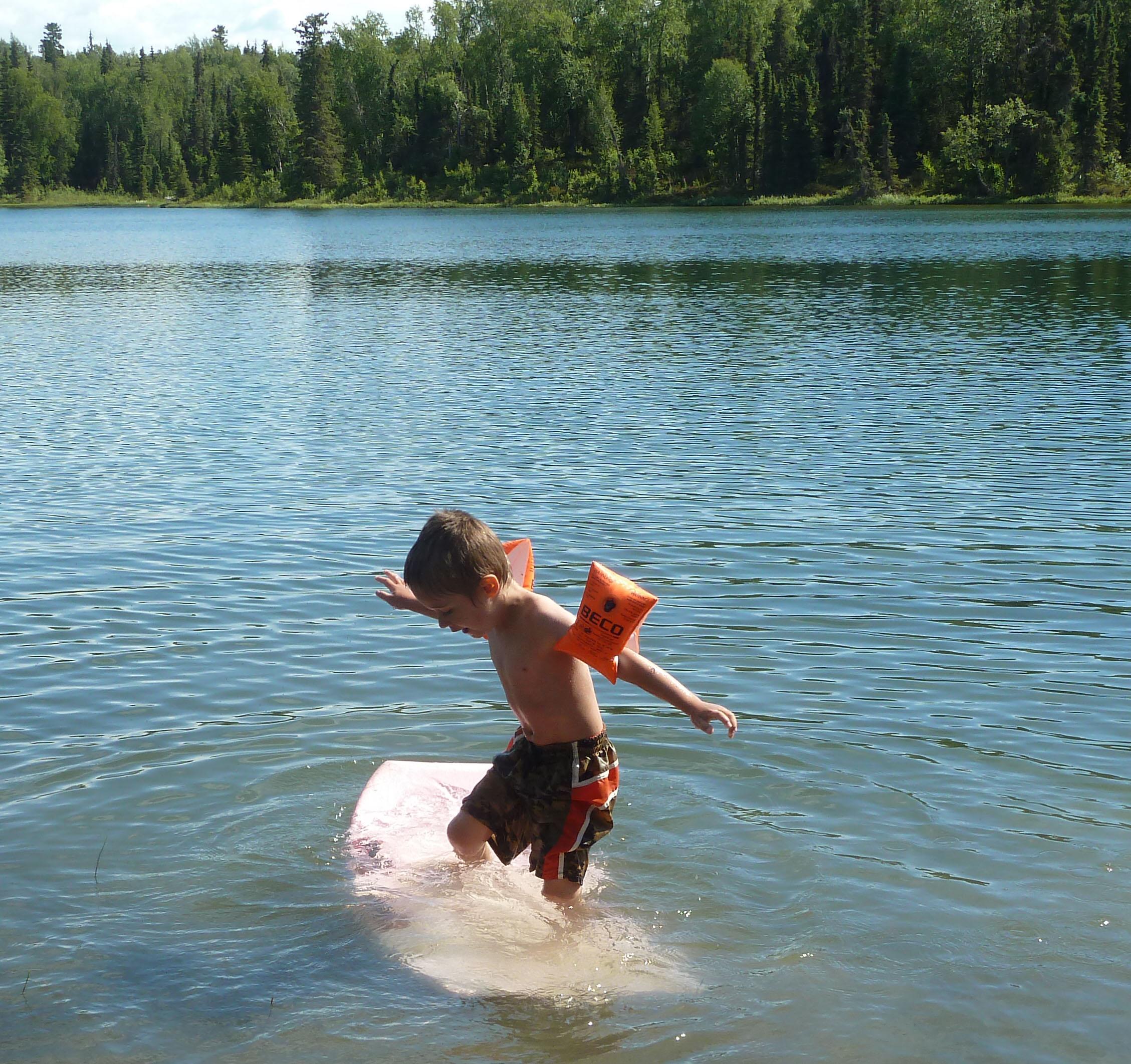 P1190672 Surfing