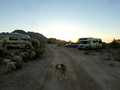 P1220143 desert camping (Large)