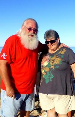 P1040123 Walt and Judy - Santa Claus Sacramento (Large)