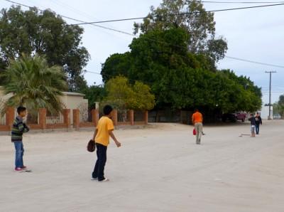 P1060985 street baseball