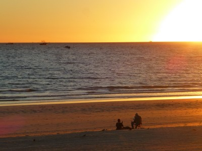 P1110024 Sunset watchers