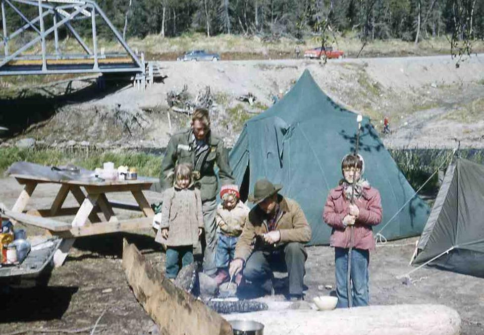 Camping 50s Style